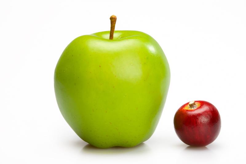 pieni ja iso omena