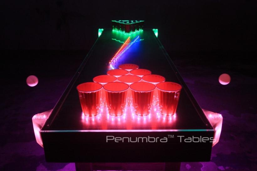 penumbran pöytä valaistuna