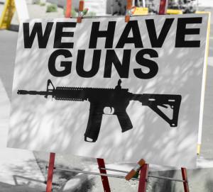 varoitus, meillä on aseita