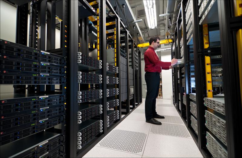 servereiltä kerätään tietoa, jota voidaan yhdistellä