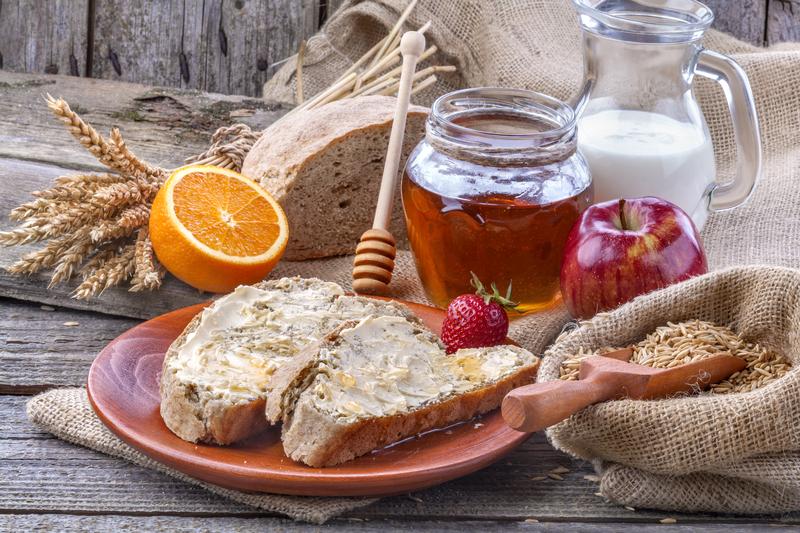 hunajaa ja leipää