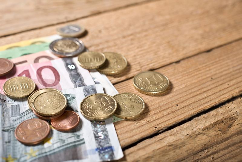 käteistä euroina