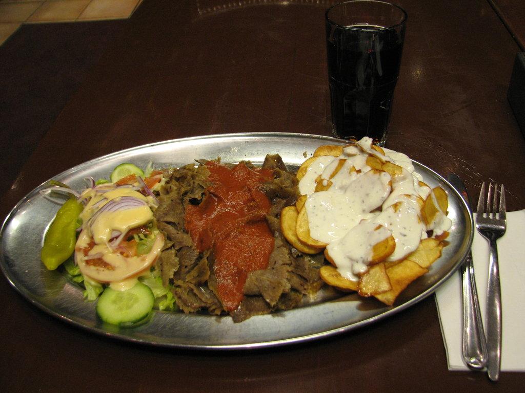kebab resepti kastikkeella