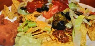 texmex salaatti guacamolella