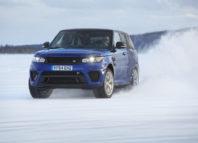 talviajoa Range Roverilla