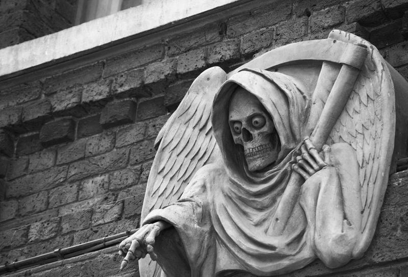 kuinka lavastaa oma kuolema
